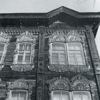 Фасад дома. Фрагмент. Томск. Улица Пушкина, 38