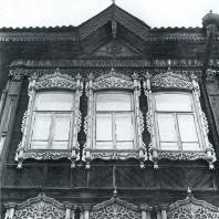 Фасад дома. Фрагмент. Томск. Улица Пушкина, 40
