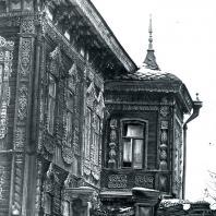 Вид дома с эркером. Томск. Улица Татарская, 46