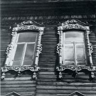 Обрамление окон. Томск. Улица Октябрьская, 60