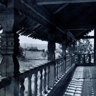 Южная галерея часовни в дер. Волкостров. Фото А. А. Александрова